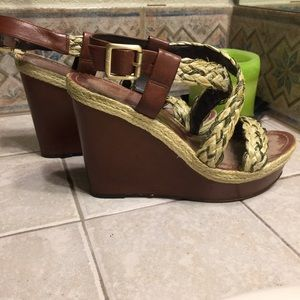 Vince Camuto Wedges 7.5